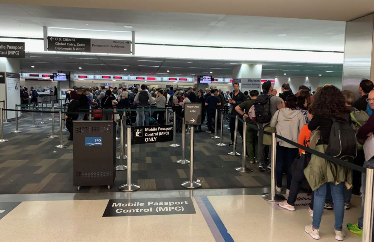 Note the the longest waits are for non-US passport holders. Mobile passport and Global Entry lines are almost non existent.
