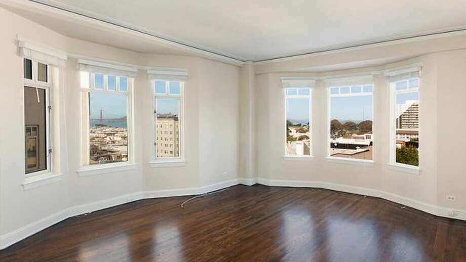 Elizabeth Holmes, the founder and former CEO of blood-testing company Theranos, left behind her apartment on Lombard Street. It's now up for rent. Photo: Apartments.com