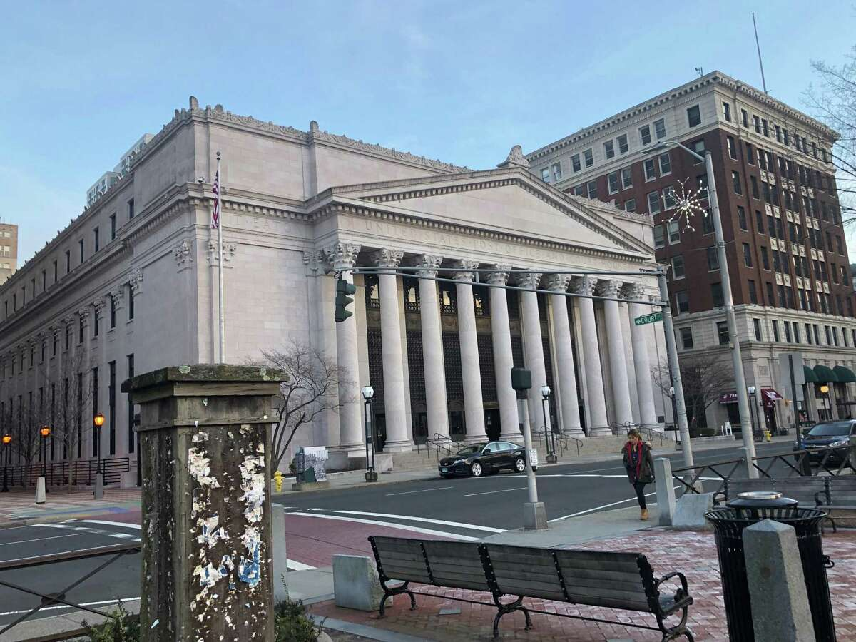 The Richard C. Lee United States Courthouse, which houses the U.S. District Court, on Church Street in New Haven, Connecticut. Completed in 1919, its architects were Frederick Law Olmsted and Cass Gilbert. It also previously served as a post office.