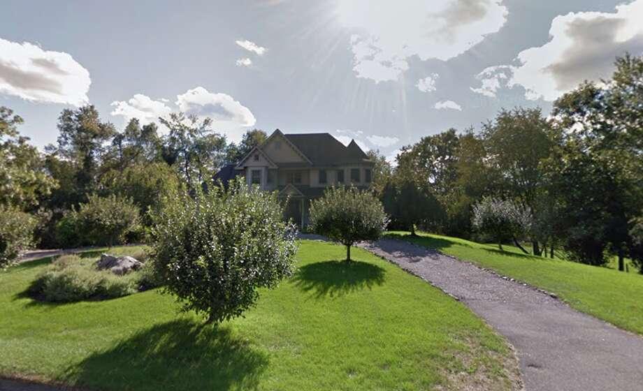 15 Kenan RoadDate: 03/25/2019 Price: $526,000 Seller/buyer: Linda & Edward Farrington to Patricia & Anthony Tersigni Bed/sq. ft: 3 bdrms, 2652 sf Built: 1996 Photo: Google Maps