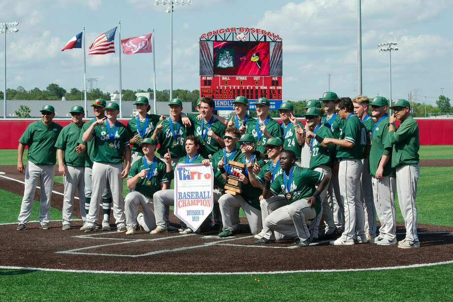 Lutheran South poses for a photo after defeating Fort Worth Christian for the TAPPS state championship Wednesday, May 15 at Crosby High School. Photo: Kirk Sides/Staff Photographer