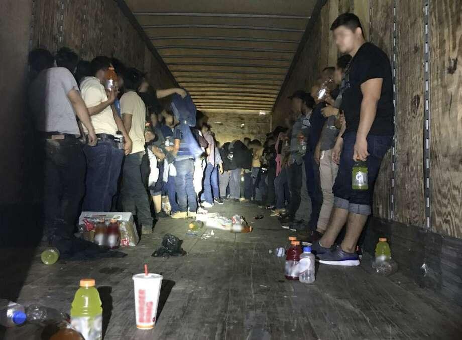 Las personas detenidas incluyen a 11 menores de edad de Honduras y Guatemala, así como 109 adultos, tanto hombres como mujeres, de El Salvador, Guatemala, Honduras, Ecuador y México. Photo: Foto De Cortesía /Patrulla Fronteriza