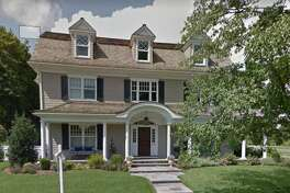 423 South Ave. in New Canaan sold for $2,550,000.