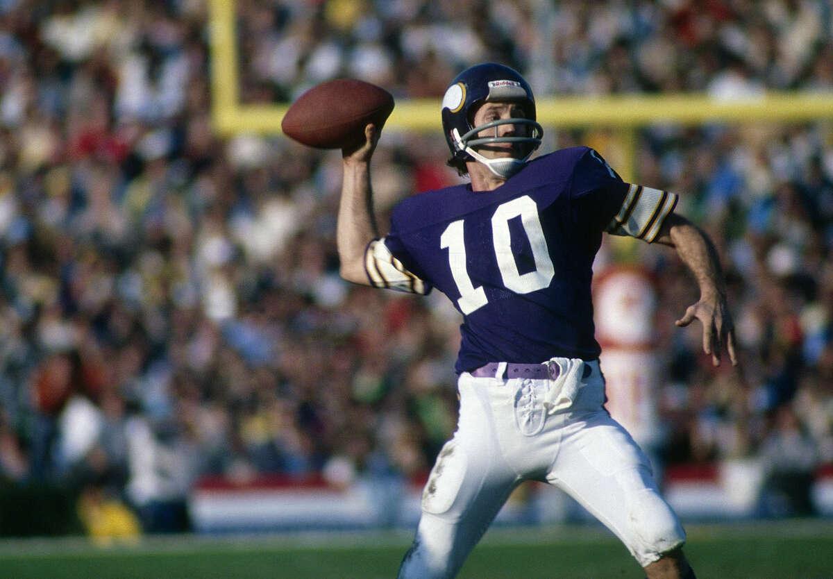 23. Fran Tarkenton Teams: Minnesota Vikings (1961-66, 1972-78), New York Giants (1967-71)