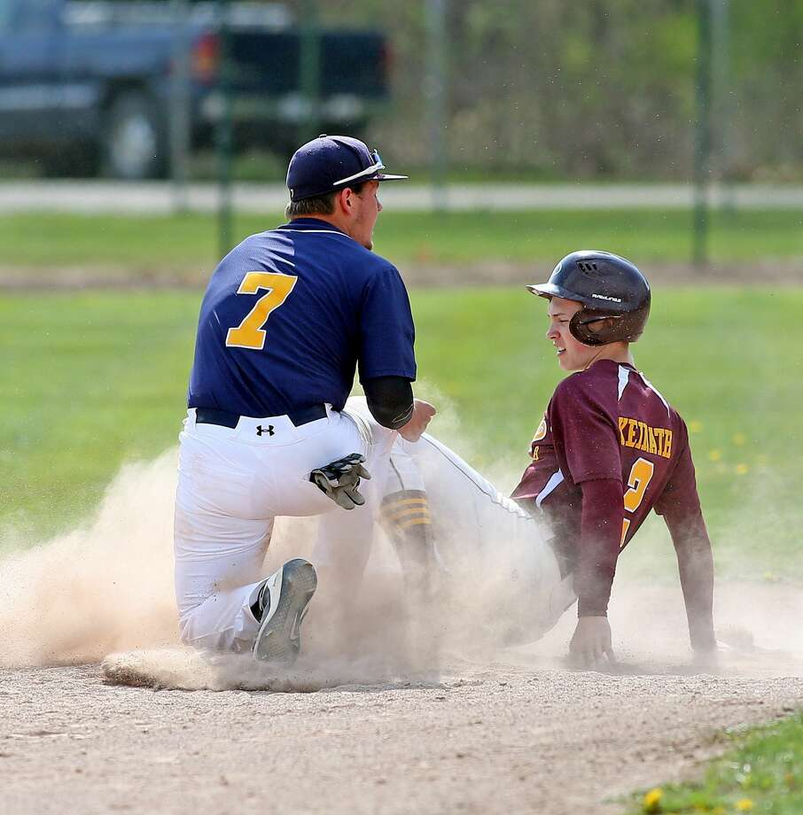 Deckerville at North Huron — Baseball Photo: Mike Gallagher/Huron Daily Tribune