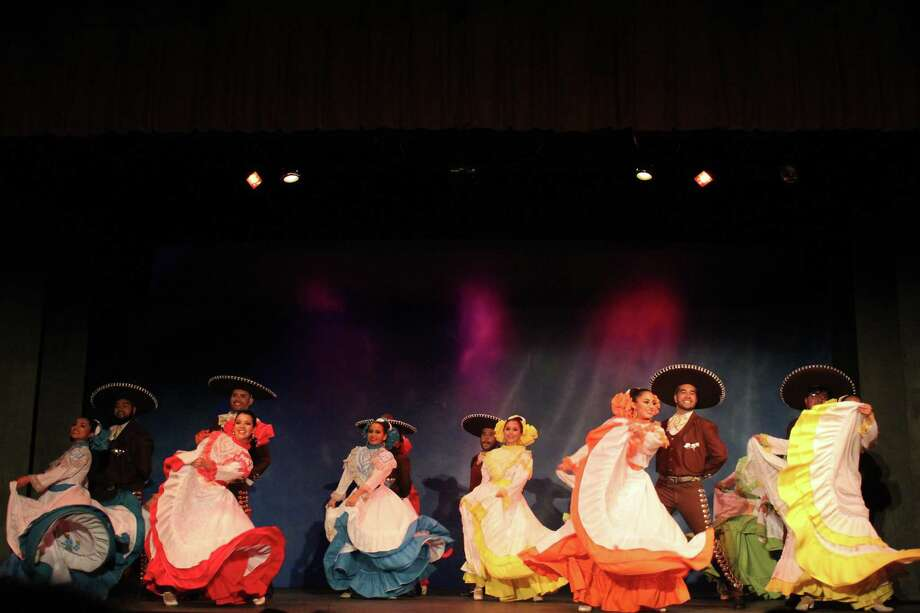 The sixth annual Mexico Lindo concert will take place at the Laredo Little Theatre on May 25 at 7 p.m. and May 26 at 3 p.m. Photo: Courtesy Photo