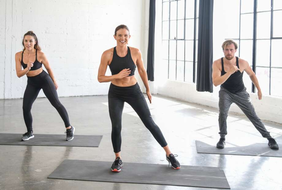 Have you ever had a stiff neck after doing bicycle crunches or a sore back after doing a plank? Change how you perform these three exercises. Photo: SportStars Magazine