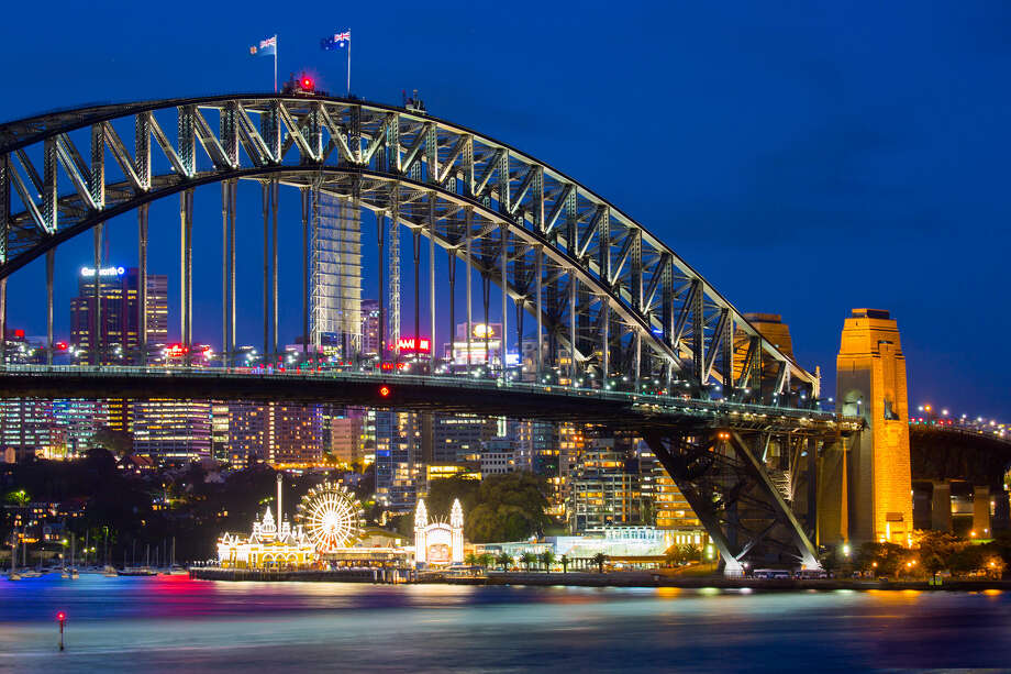 Circular Quay at rush hour on a summer's evening on Feb. 10, 2015 in Sydney, Australia. (Chris Putnam/Zuma Press/TNS) Photo: Chris Putnam / Zuma Press