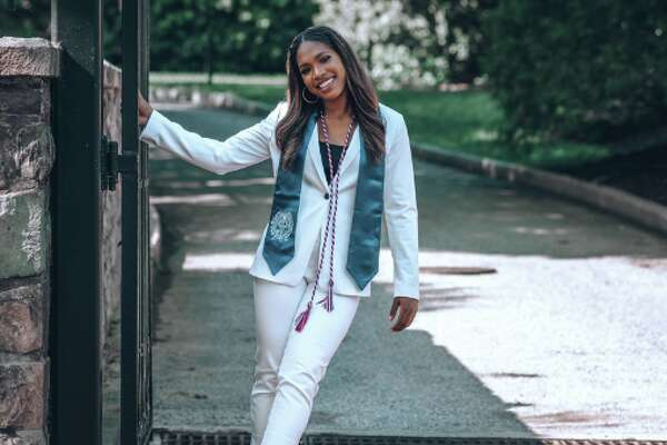 Corine Forward, a 22-year-old East Oakland native, went viral this week after sharing her graduation photos - and shouting out her hometown - on Twitter.