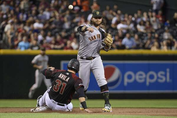Giants' Bochy ejected as close game in Arizona turns into ugly loss