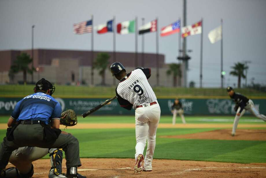 Domonic Brown hit his 10th home run of the season Friday, but the Tecolotes fell 7-3 at Uni-Trade Stadium against the Rieleros. Photo: Christian Alejandro Ocampo / Laredo Morning Times / Laredo Morning Times