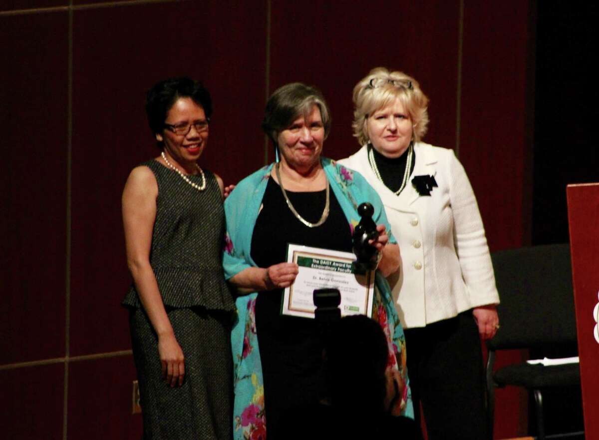 TAMIU clinical assistant professor of nursing Dr. Belva González was named this year's recipient of the DAISY Faculty Award.