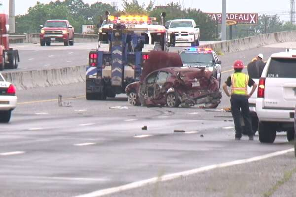 UPDATED: Fatal wreck shuts down East Freeway for hours