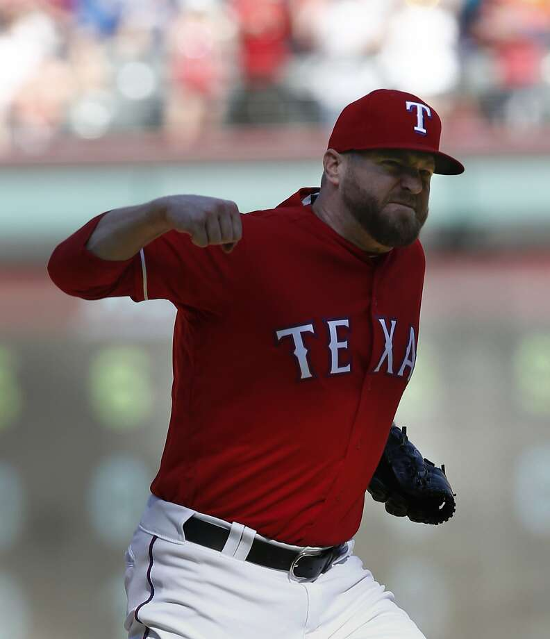 Rangers reliever Shawn Kelley awaiting results of biopsy