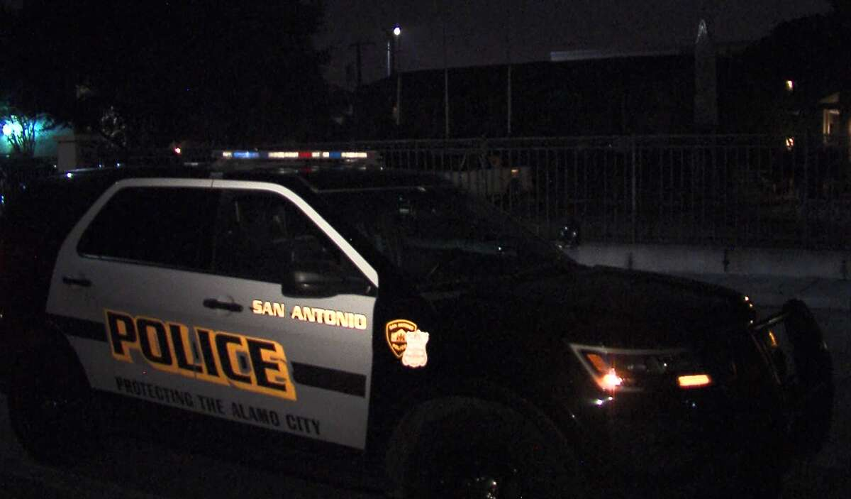 San Antonio police investigate a stabbing that occurred at an apartment complex Sunday, May 19, 2019.
