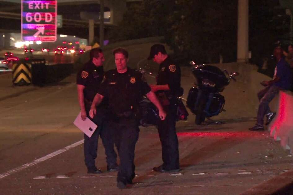 Two motorcyclists shot near I-45 North Freeway on Sunday morning