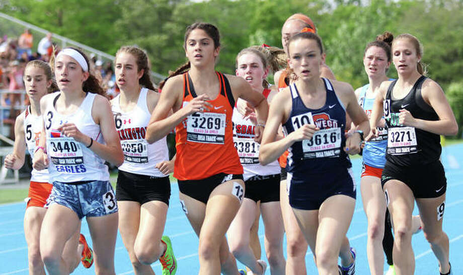 Edwardsville's Abby Korak in action in the 1,600-meter run at the Class 3A state meet in Charleston. Photo: Greg Shashack/Hearst Newspapers