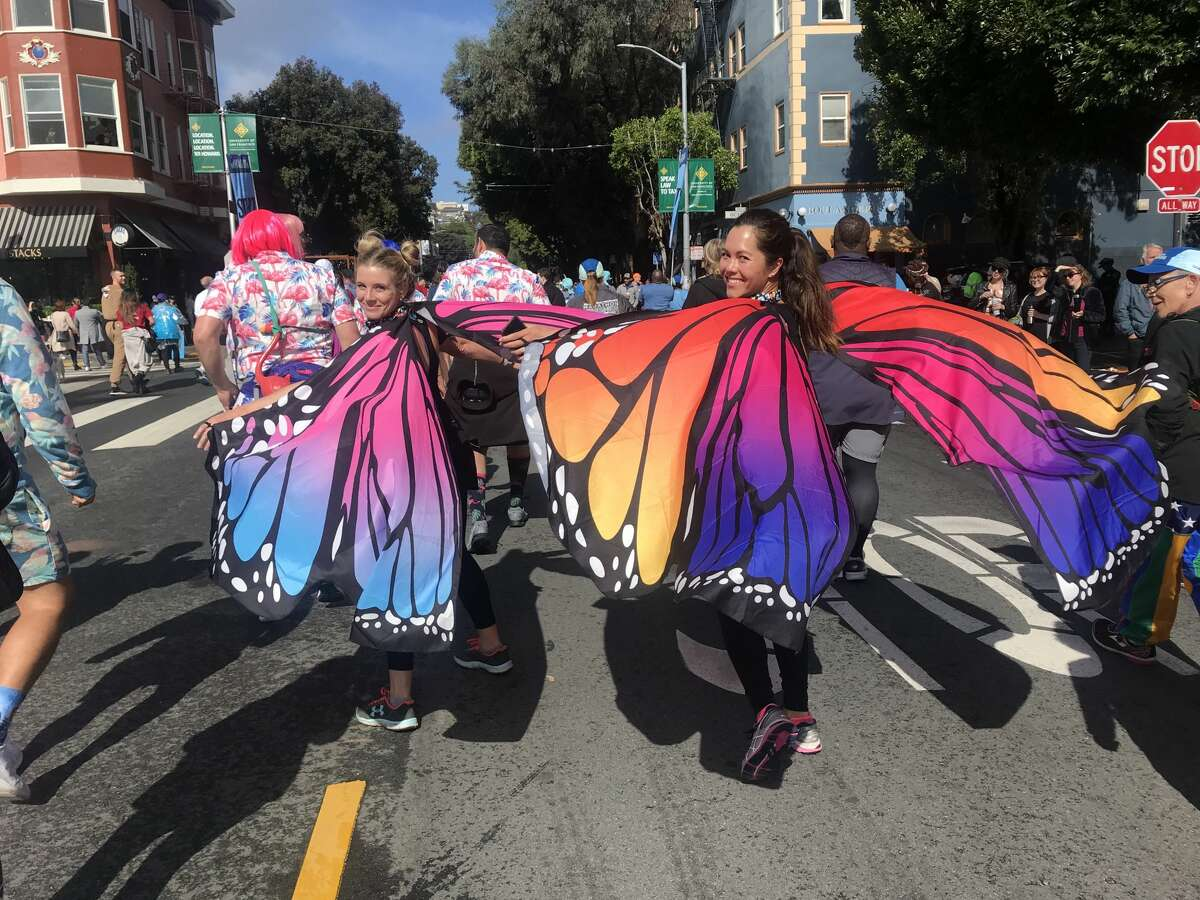 Butterflies breeze by at Bay to Breakers 2019.