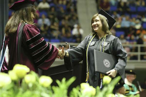 Nontraditional college student graduates from Texas A&M at San Antonio with honors