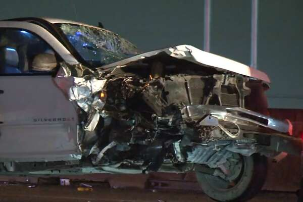 Driver loses control, triggers multi-car crash in north