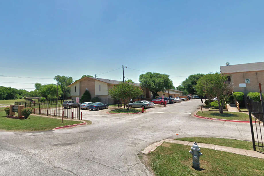 The Dallas apartment complex where Muhlaysia Booker was assaulted. Photo: Google Maps