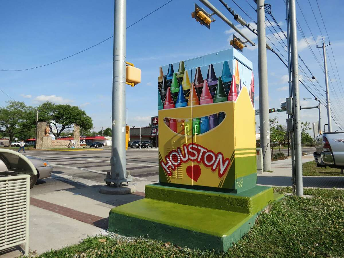 Mini Murals can be found on traffic-light boxes all over Houston