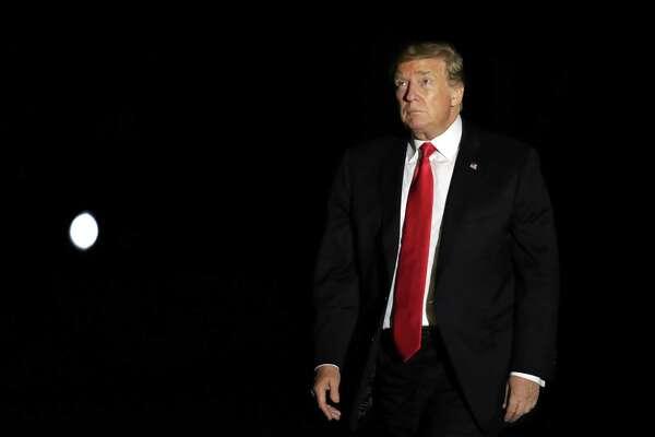 Trump y su empresa presentaron una demanda para bloquear la citación que se emitió en abril a Mazars USA, la firma que lleva la contabilidad del presidente y de la Organización Trump.