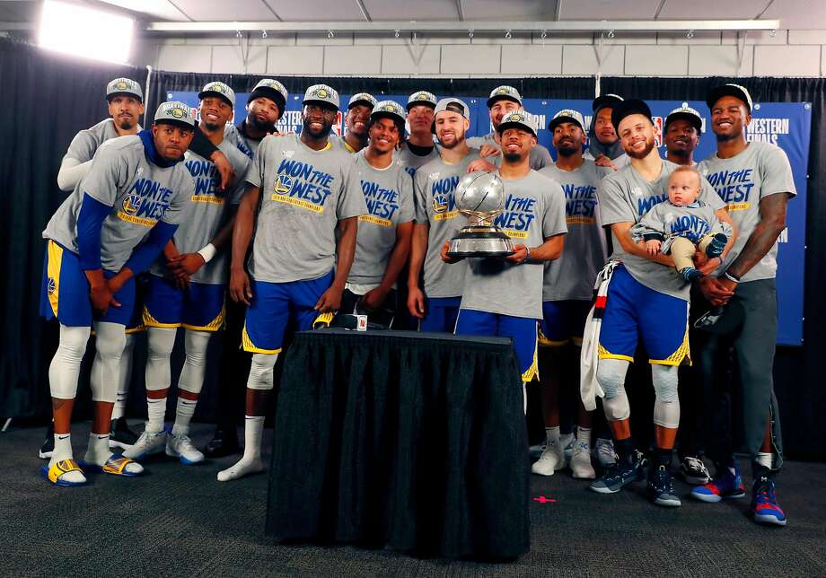 The Wall Street Journal's unfortunate tweet about the Warriors' dynasty was met with derision from fans.