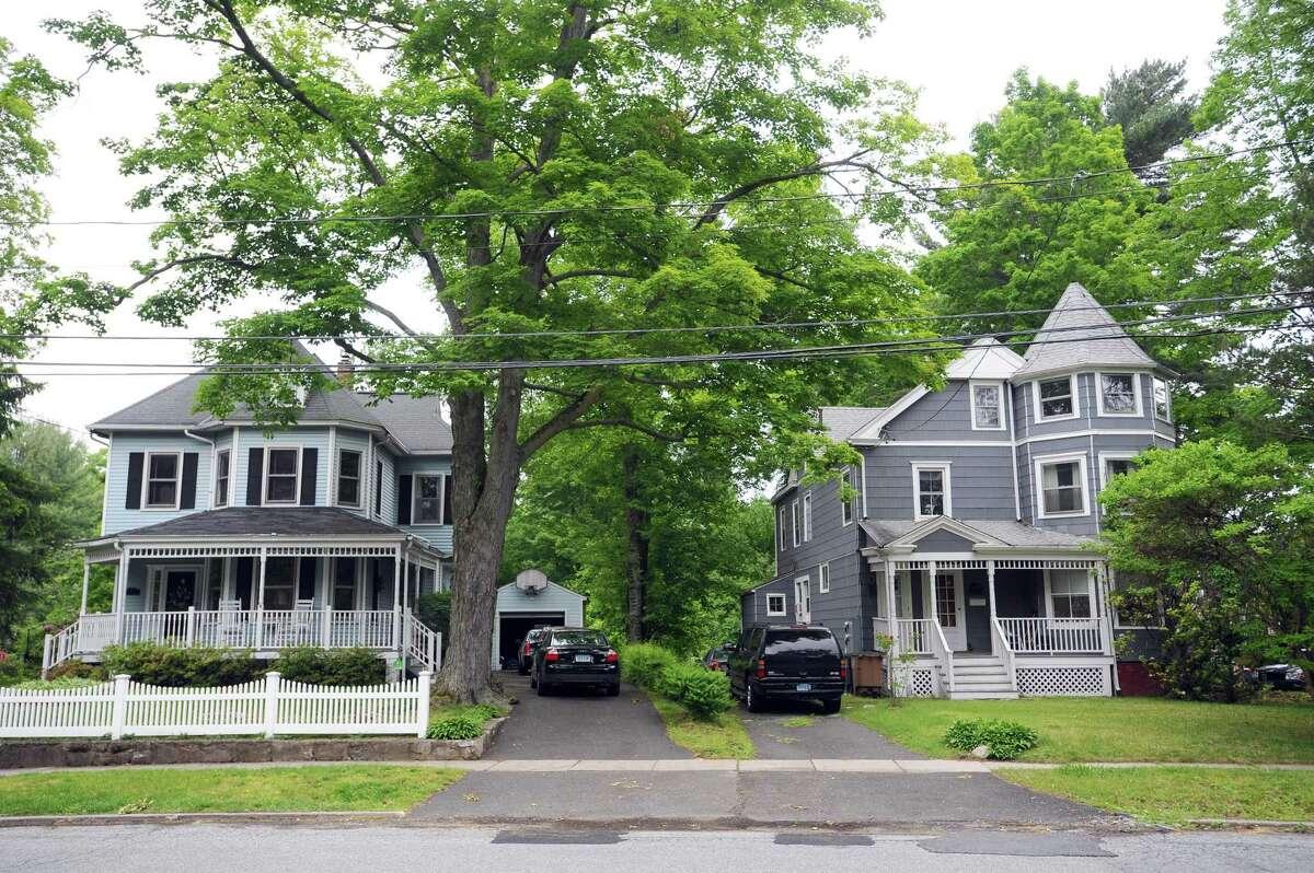 Houses on Oakdale Road in the Glenbrook neighborhood of Stamford.