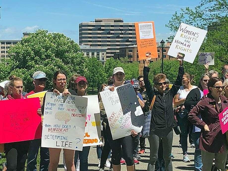 Pro-choice advocates gather Tuesday outside the Capitol. Photo: Emily DiSalvo / CTNewsJunkie.com