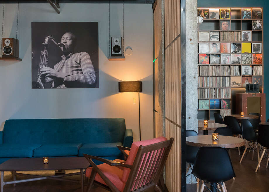Bar Shiru, a hi-fi vinyl listening bar, opened in Uptown Oakland earlier this year. The bar is one of a few new establishments that have popped up in Oakland recently to prioritize acoustics and the listening experience. Photo: Pam Torno