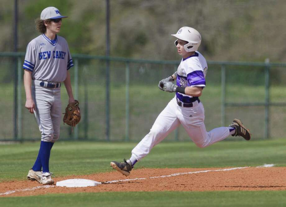 Dalton Davis (5) of Montgomery earned District 20-5A's Offensive MVP award. Davis was the lone player to earn an all-district superlative that was not from district champion Tomball. Photo: Jason Fochtman, Houston Chronicle / Staff Photographer / © 2019 Houston Chronicle