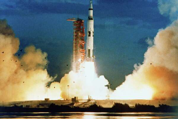 Apollo 4: Moment of truth for the lunar landing projects