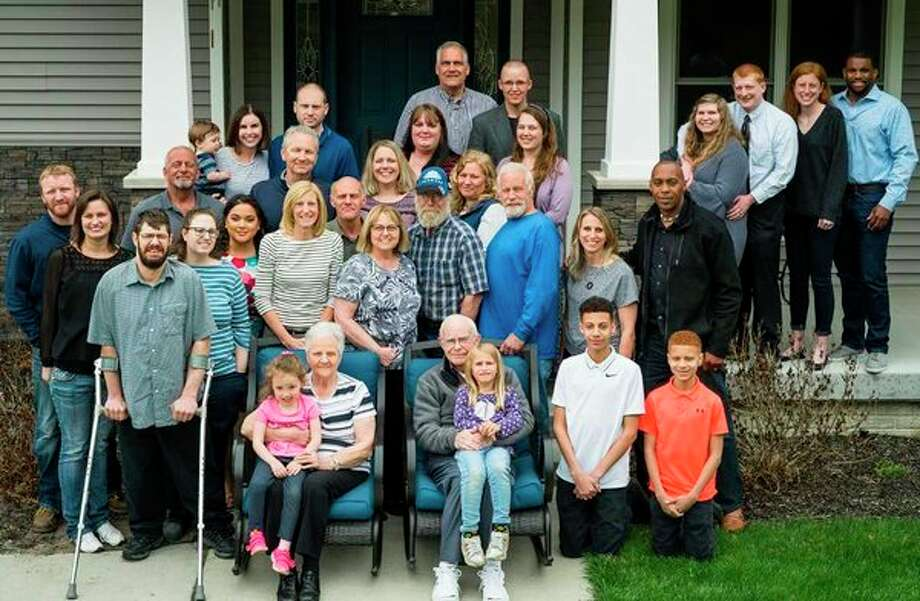 Thirty-two members of the Laeder family. (photo provided)