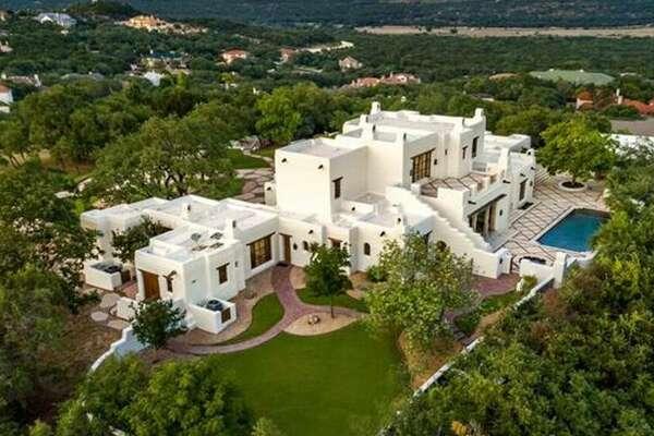10 Davenport 4 bedrooms 6 full baths, 2 partial baths Price: $8,900,000