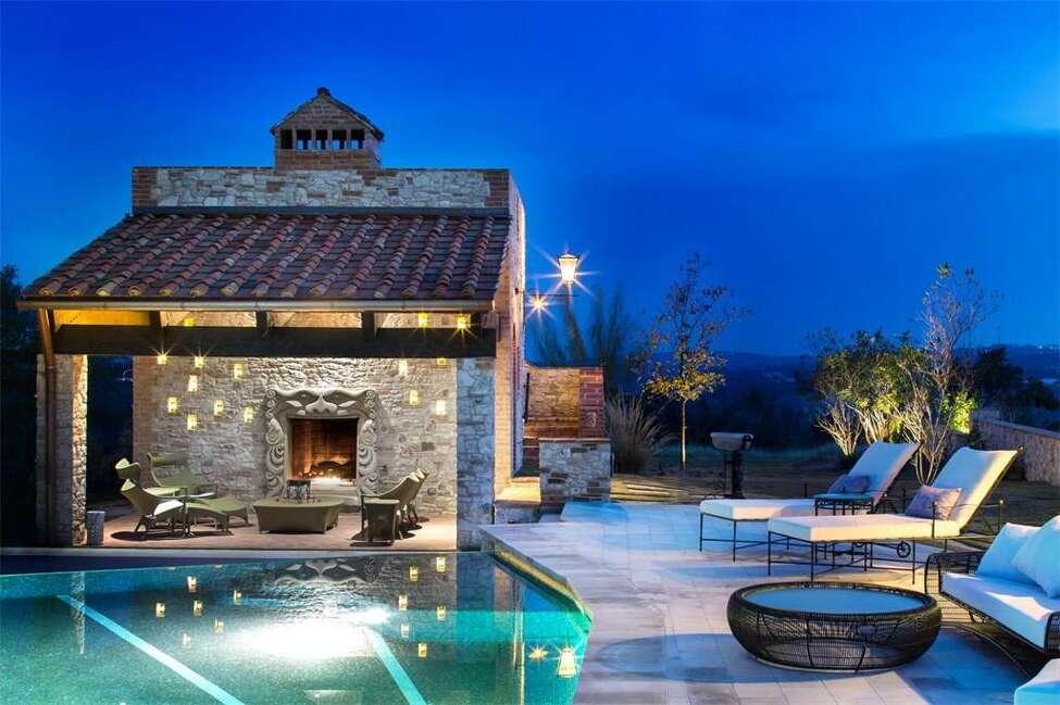 204 Rio Cordillera Boerne, Texas 4 bedrooms/4 full baths, 3 partial baths Price: $7,950,000