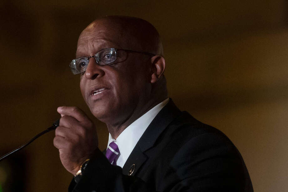 """Bernard """"Jack"""" Young gives his acceptance speech after being sworn in as Baltimore's 51st mayor. Photo: Washington Post Photo By Marvin Joseph / The Washington Post"""