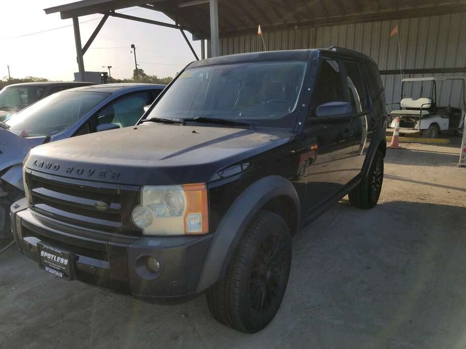 A Land Rover will be up for grabs at an SAPD auction on May 22, 2019. Photo: San Antonio Police Department