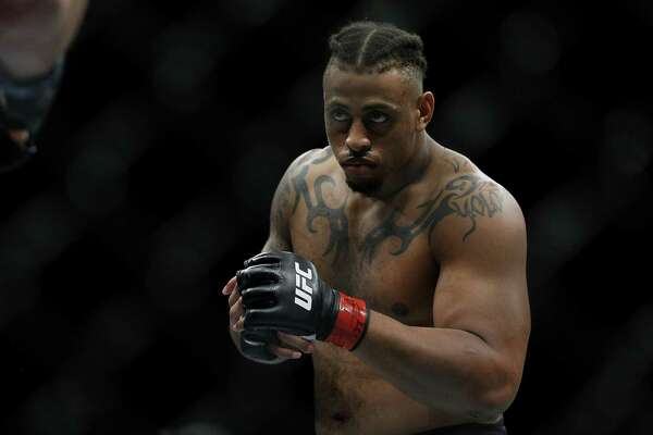 SUNRISE, FLORIDA - APRIL 27: Greg Hardy fights Dmitrii Smoliakov of Russia during their heavyweight bout at UFC Fight Night at BB&T Center on April 27, 2019 in Sunrise, Florida. (Photo by Michael Reaves/Getty Images)