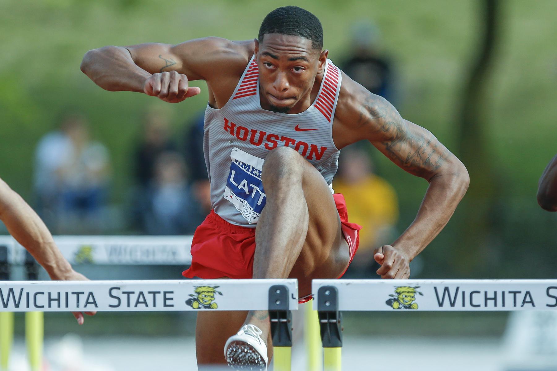 University of Houston's Amere Lattin advances to quarterfinals