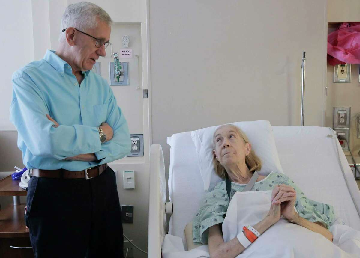 Frank Dewhurst, 84, visits Linda Nall at Houston Methodist Hospital on Monday, May 20, 2019 in Houston. Dewhurst donated a kidney to Nall, a neighbor, making him the oldest kidney donor in the United States.