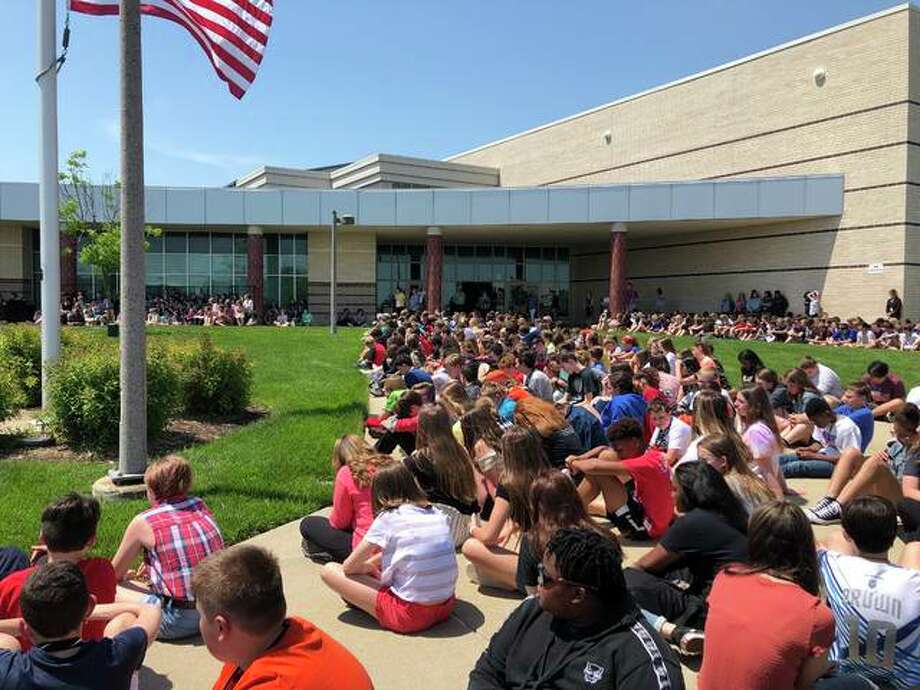 The entire Liberty Middle School student body met on the school's front lawn last Thursday for the school's annual Flag Day. Photo: Julia Biggs | The Intelligencer