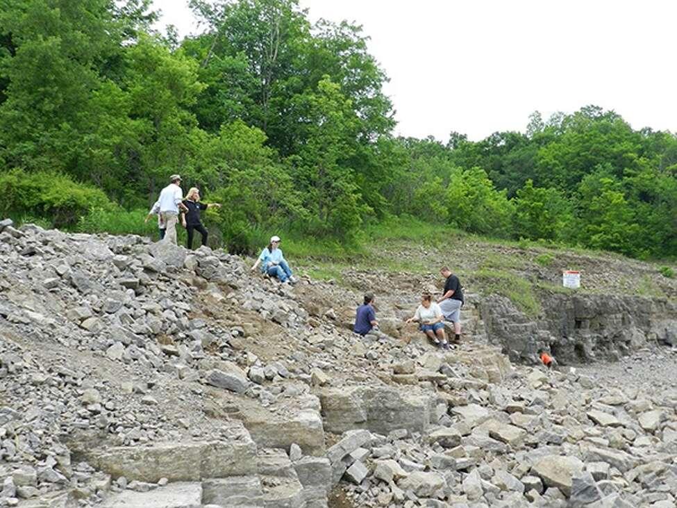 Herkimer Diamond Mining (herkimerdiamond.com)