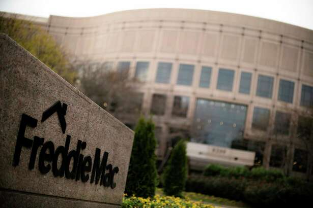 The 30-year fixed-rate average matched its lowest level of the year, dropping to 4.06 percent.