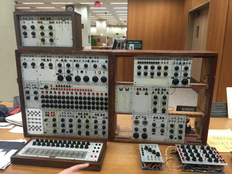 KPIX Television broadcast operations manager Eliot Curtis unknowingly became dosed with LSD after recently repairing a Buchla Model 100, similar to the instrument above. Photo: Library Of Congress