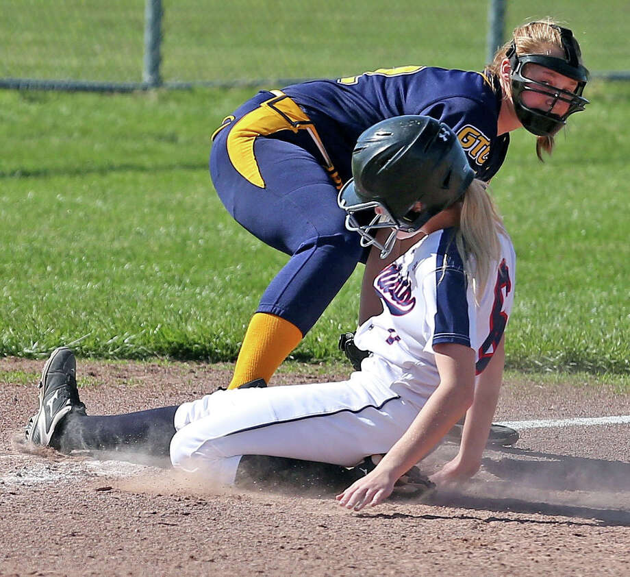Bad Axe at USA — Softball Photo: Paul P. Adams/Huron Daily Tribune