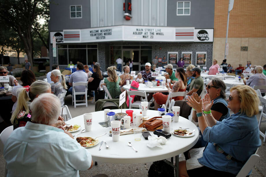 Main Street Live fundraiser for Basin PBS, May 23, 2019 outside the historic Ritz Theatre, home of Basin PBS. James Durbin/Reporter-Telegram Photo: James Durbin / Midland Reporter-Telegram / ? 2019 All Rights Reserved