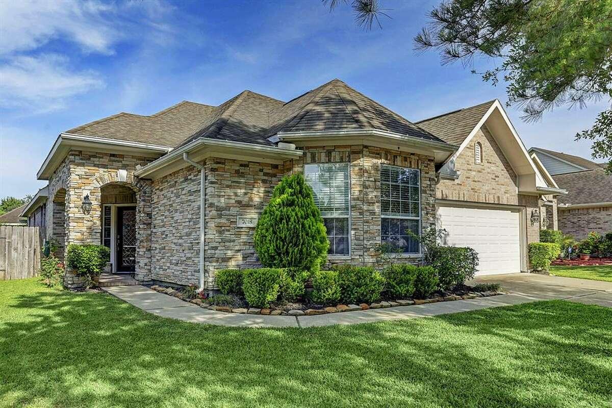 Fort Bend County North/Richmond7018 Ballinger Ridge Lane, Richmond / $235,000Zoned to:Mcneill ElementarySchool Rating: 10Neighborhood Median Home Value:$237,050
