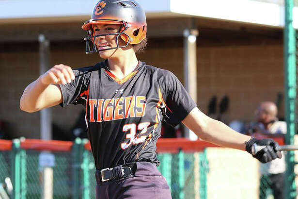 Edwardsville junior Maria Smith hit home runs in the first and seventh innings to lead the Tigers to a victory over Collinsville in the championship game of the Edwardsville Class 4A Regional at the District 7 Sports Complex.