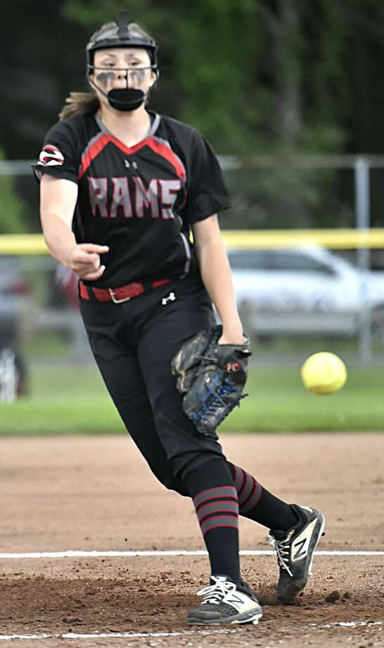 Cheshire pitcher Brianna Pearson. Photo: Peter Hvizdak / Hearst Connecticut Media / New Haven Register